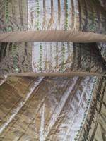 Csodás    indiai   , flitterekkel díszített ágytakaró