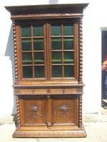 Reneszánsz faragott könyves szekrény