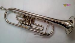 Régi ezüstözött trombita, rézfúvós hangszer: Orosz gyártmány 1975-ből