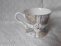 3343 - Nagyon szép rózsás angol teás bögre - Katie Alice
