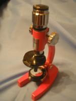 TANULÓ Mikroszkóp alul tükrös 100x, 450x, 900x nagyítás fém álványos