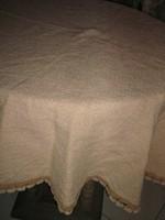 Gyönyörű antik mogyoróbarna kerek szőttes terítő
