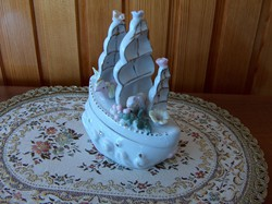 Porcelán vitorlás hajó, ékszertartó, bonbonier, dobozka