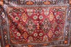 Nagy méretű mokett ágy terítő  ( 198 x 148 cm )