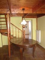Neobarokk étkezőasztal 6 székkel, két fotellal eladó.
