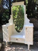 Romantikus pipereasztal, fésülködő szekrény