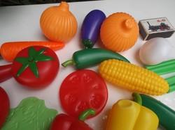Boltos játék  - 30 db  - Új - NAGY - zöldségek  - 12 x 2,5 cm - 9 x 5 cm - 4 x 3 cm