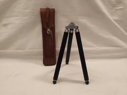 Antik fényképezőgép tartó állvány eredeti bőrtokjában