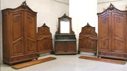 Antik barokk hálószoba