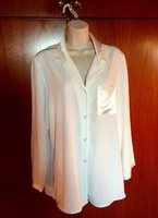 St.Michael From Marks&Spencer  42-es  gyönyörű szép csipkés selyem pizsama,teljesen  új állapotban !