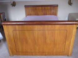Biedermeier ágy