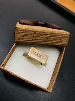 Gyémánt köves gyűrű