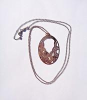 90 cm. 925-ös aranyozott láncon jelzett medál, by FIDDA
