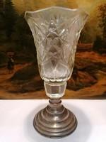Ezüst talpú kristály váza