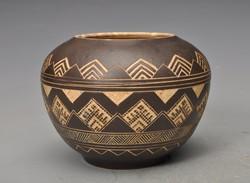 Antik art deco váza, jelzett .Bucsincsak Ungvár.