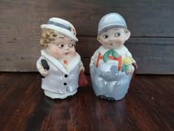 Figurális porcelán só és borsszóró pár