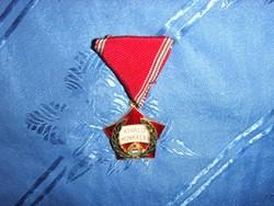 Szocialista kitüntetés kiváló munkáért