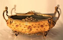 Bronzdíszítéses porcelán asztalközép,kínáló