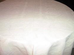 Csodaszép halvány kapucsínó színű régi barokk mintás toledós szőttes terítő