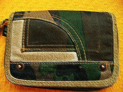 DOWN AND OUT katonai álcamintás pénztárca