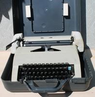 OMEGA retro írógép saját dobozában