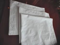 3 db antik, fehér vászon párnahuzat JP monogrammal,  93 x 73 cm