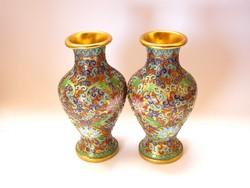 Pompás keleti rekeszzománcozott váza pár.