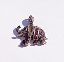 Sok rubin köves 925-ös elefánt medál