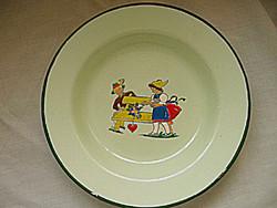 Retro zománcos gyerek tányér EMAIL AUSTRIA népi jelenettel