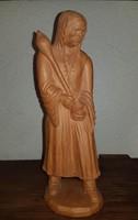 Bő gatyás parasztember lopótökkel, jelzett, terrakotta, hibátlan 26 cm