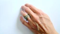 Márkás Paz Creations  izraeli aranyozott ezüst gyűrű ékkövekkel