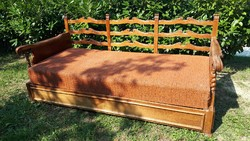 Koloniál kanapé, kanapéágy, ágyneműtartós