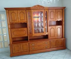 Nappali szekrénysor, tálaló szekrény hosszúsága 275, magassága 218 cm, mélysége 44/52 cm