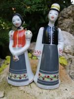 Hollóházi porcelán figurák. Paraszt pár népviseletben