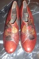 Eladó egy női bőr cipő, 38-as