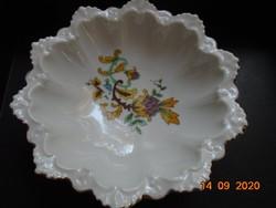 MZ CM-R Altrohlau csipkézett karéjos dombormintás tálka kézzel festett perzsa virág mintával