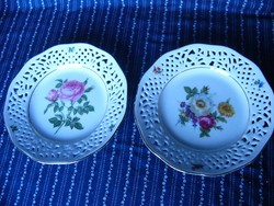 A05 Ingres Weiss virágmintás áttőrt szélű tányér párban