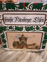 Nürnbergi dombornyomott kekszes doboz hibátlan állapotban! 12x12x8 cm