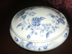Limoges   porcelán  bonbonniere