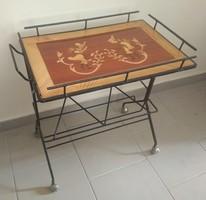 Intarziás kisasztal (zsúrkocsi) népies mintával eladó