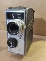 Pentaka 8-as tipusú, 8 mm-es filmfelvevő gép, jó állapotban.