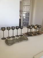 Régi  fém stampedlis poharak, és tálcák