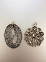 Két darab filigrán ezüst medál