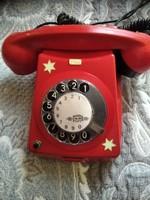 Piros telefon fekete számlapos
