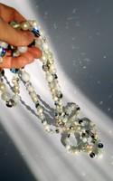 Régi csiszolt üveg nyaklánc káprázatos fényjátékkal 208 cm