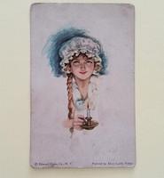 Régi képeslap 1920 körül nő sétálógyertyával