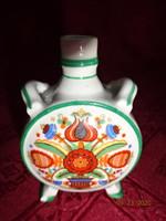 Zsolnay porcelán mini kulacs, népi motívummal és pihenő parasztokkal.