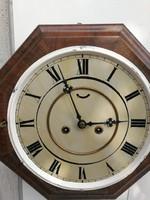 Falióra különleges formájú! Fa óra nyitós ablakkal, 8 szögletű forma! kapitány hajós óra