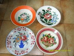 4 db népi antik hollóházi és apátfalvi fali tányér