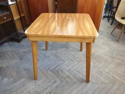 Magasfényű régi retro hosszabbítható asztal étkezőasztal